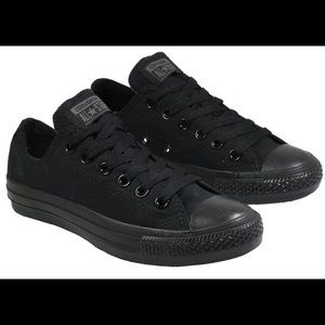 Converse Low Tops Black
